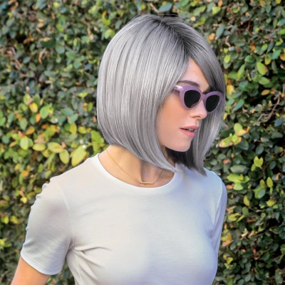 Vada wig, Smokey Grey R, Amore René of Paris